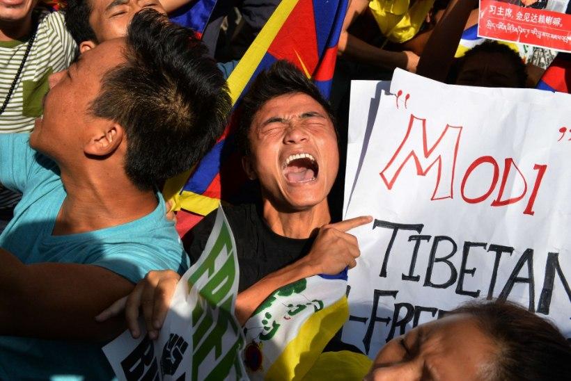 Hiinas pani tiibetlane end põlema ja suri