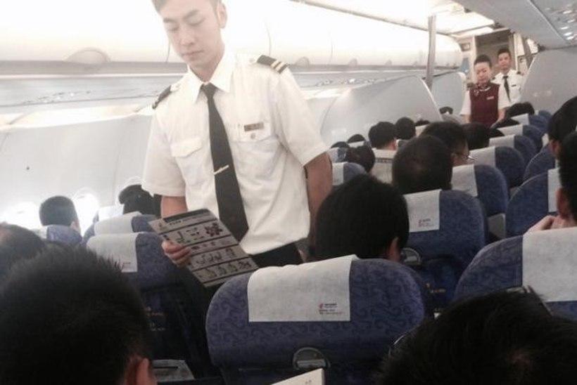 Šarapova pildistas lennukis salaja meest, kes luges temast lugu