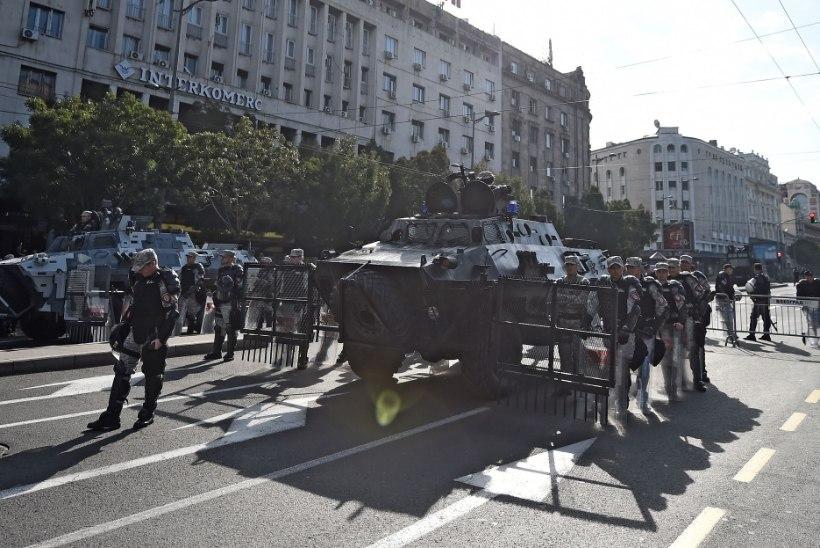 Politsei sulges homoparaadiks Belgradi südalinna