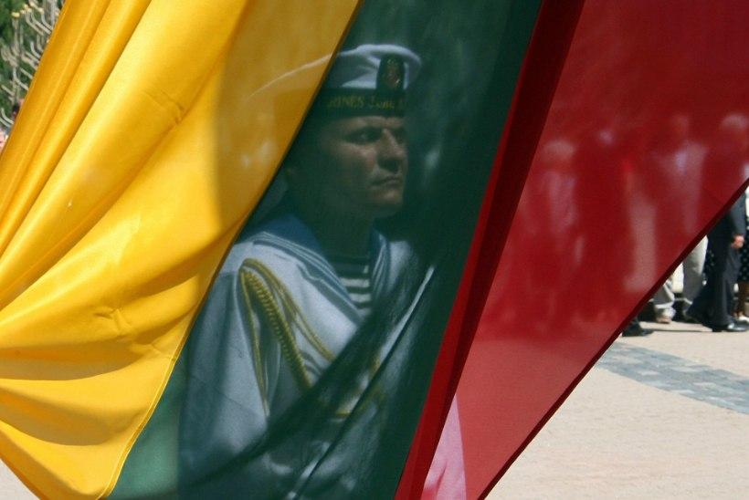 Leetu saabus 70 USA sõdurit
