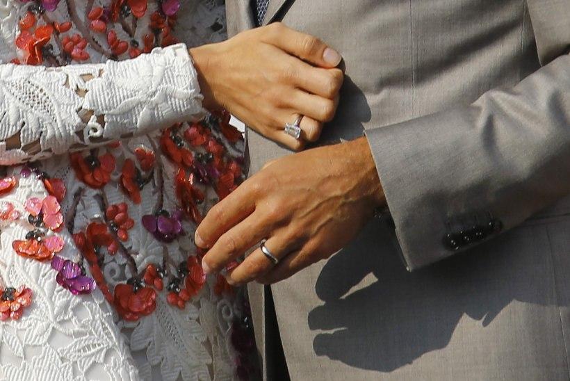 George ja Amal abiellusid kaks korda
