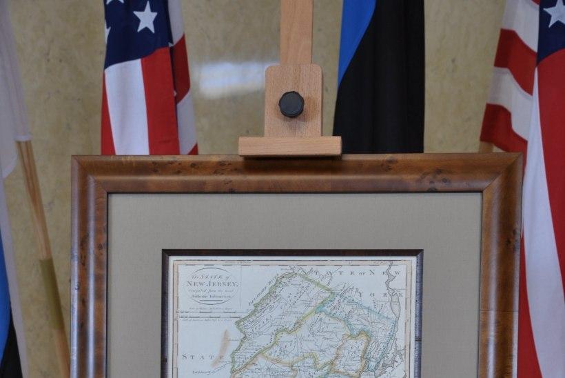 E-president Ilves kinkis USA liidrile ID-kaardi