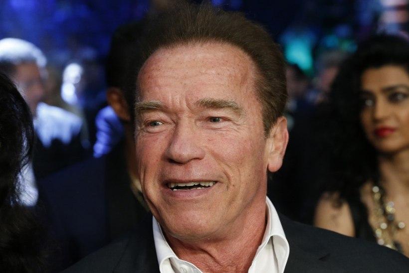 Arnold Schwarzeneggeri poeg tutvustas isale tulevast miniat
