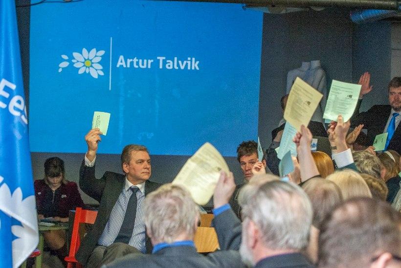 GALERII: Vabaerakond kinnitas üldkogul oma valimisnimekirja