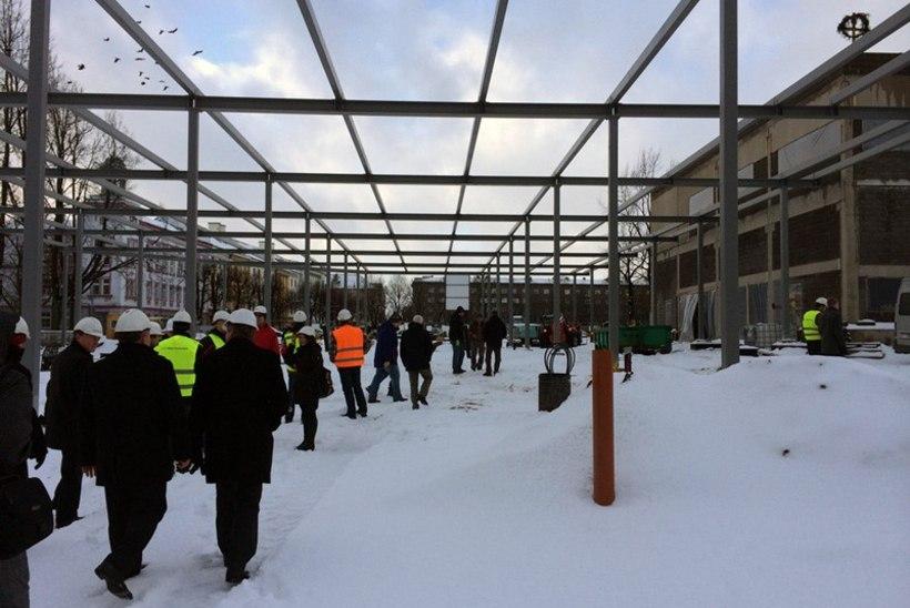 FOTOUUDIS: Narva-1 piiripunktis rajati majavaimuga häid suhteid