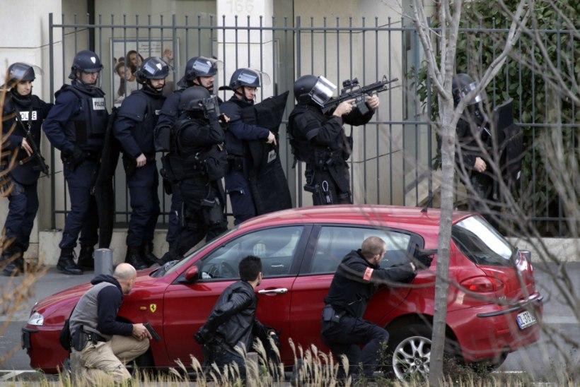 FOTOD: Pantvangidraama postkontoris Pariisi lähistel lahenes ohvriteta