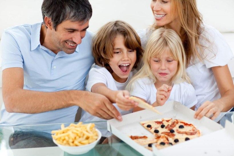 Pidev kiirtoidu söömine teeb lapsed rumalamaks