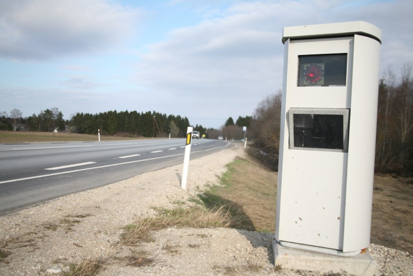 Politsei tühistab 63 kiiruskaamera trahviteadet