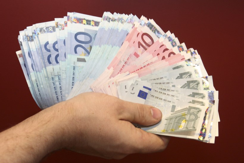 HEAD UUT AASTAT: tõusevad lapsetoetus ja alampalk, pension, langevad maksud ja suurenevad karistused