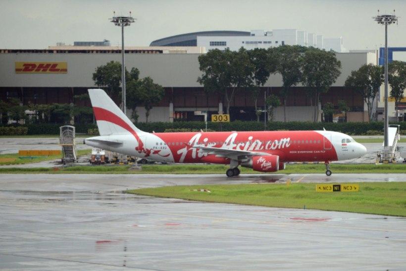 Lennunduseksperdid oletavad: AirAsia lennuk sooritas eduka hädamaandumise, kuid uppus kiiresti