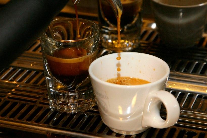 Kas kofeiiniga joogid viivad organismist vedelikku välja?