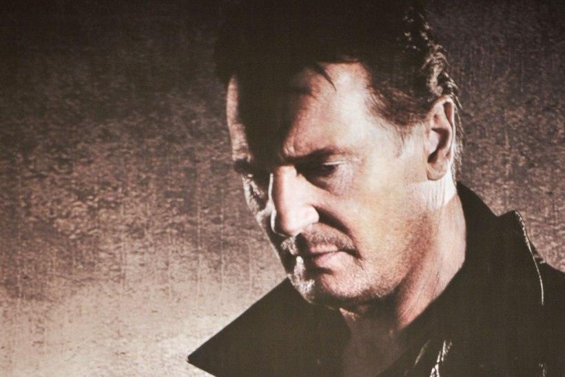 """""""Takeni"""" täht Neeson nimetas tulirelvade vohamist USA häbiplekiks"""
