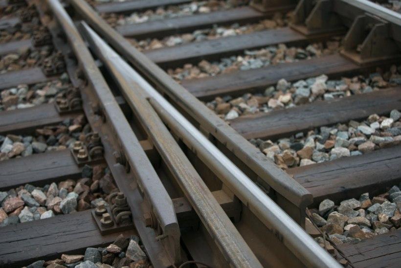 Noored pätid seadsid igavusest ja lollusest rongliikluse ohtu