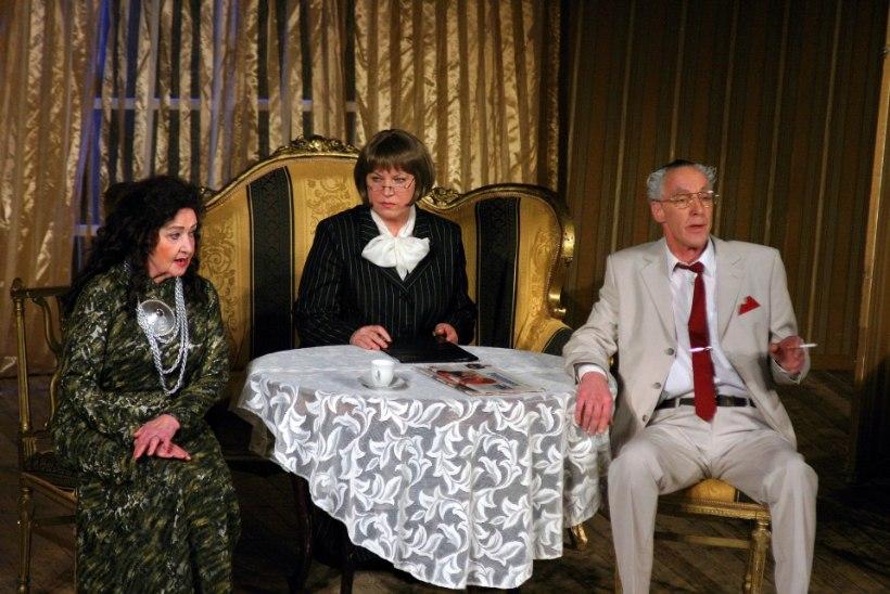 """""""Vana Baskini Teater on aastaid köiel kõikunud nagu köietantsija."""""""