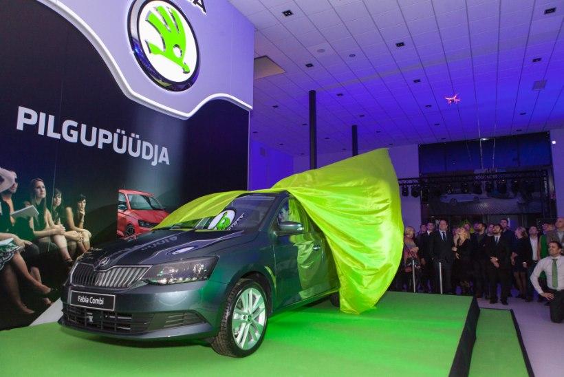 GALERII: Swingers, Tanja ja Mikk Saar musitseerisid Škoda uue autosalongi avamisel
