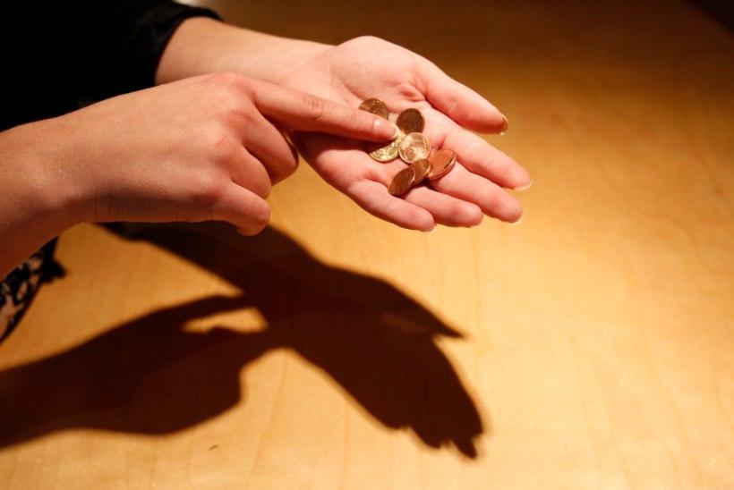 Erakonnad lubavad toetusi lastega peredele, kuid vaesusriskis inimestele tähelepanu ei pöörata