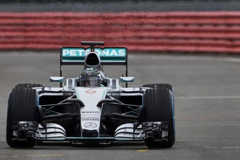 GALERII: Mercedes, Ferrari ja Sauber näitasid uut masinat