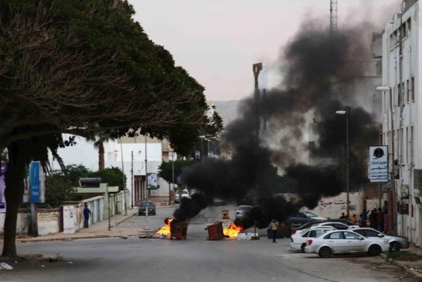 Liibüa sõjalennukid pommitasid Kreeka naftatankerit