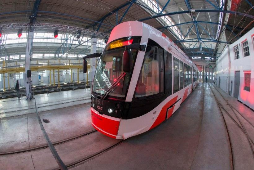 KOOMIK: Tallinna tramm peaks kandma nime Evelin, sest temaga sõit on tasuta