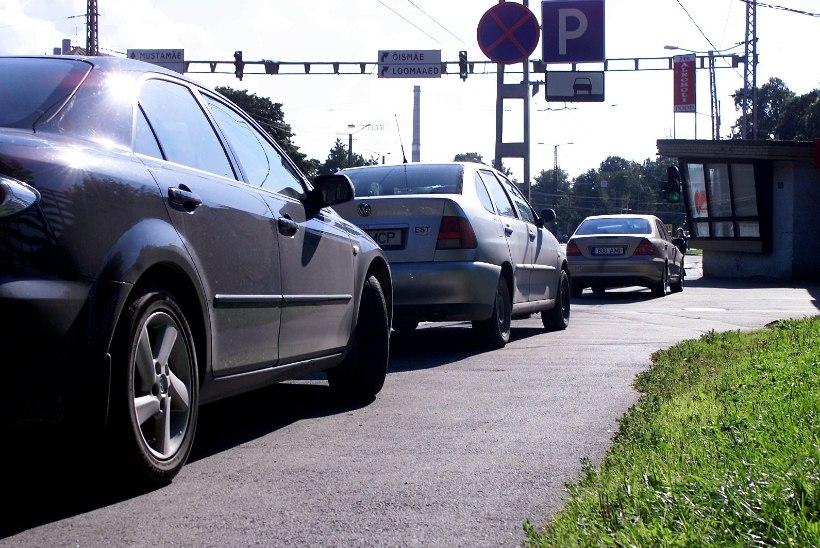 Tallinnas Hipodroomi ristmiku piirkonnas häirib veeavarii liiklust