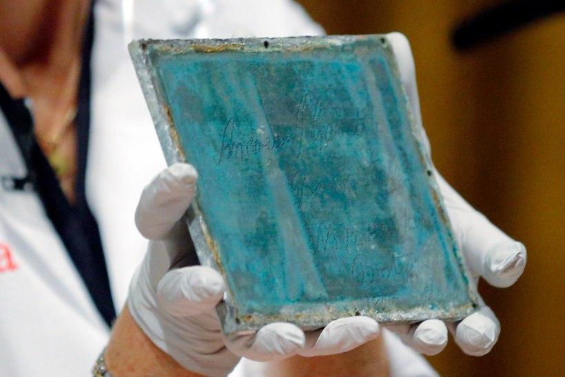 GALERII: vaata, mida sisaldab USA ajaloo vanim ajakapsel