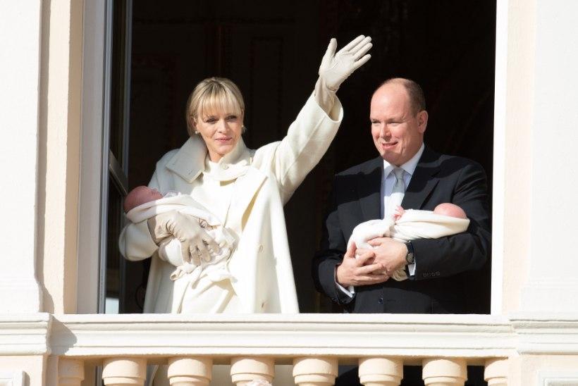 FOTOD JA VIDEO: Monaco vürstipaar tutvustas oma pisikesi kaksikuid rahvale