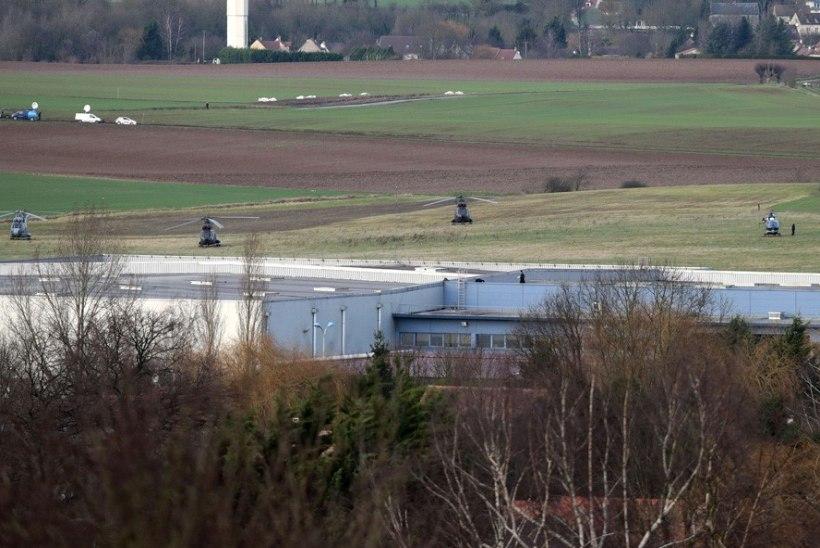 Prantsusmaa pantvangikriisid lõppesid kolme terroristi tapmisega, hukkus ka neli pantvangi