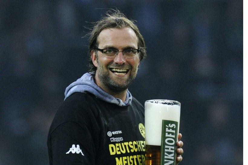FOTOD   Klopp tutvus Liverpooliga - kas õlu mekib ikka hea?