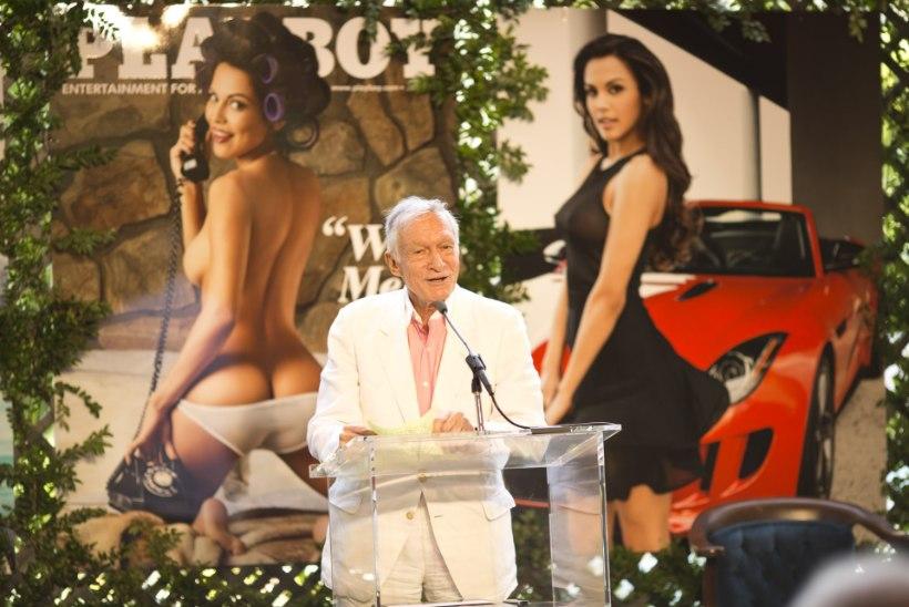 Playboy viskab paljad naised üle parda