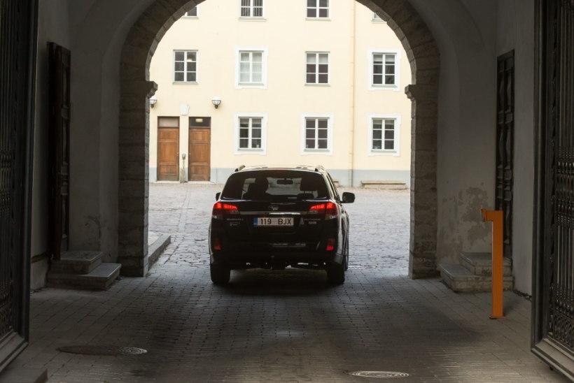 Riigikogulased ei soovi loobuda autoliisingu hüvitamisest