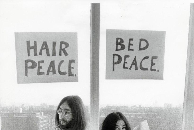 """Yoko Ono: """"Kanep, tõsi, ei olnud minu tassike teed, aga hapet meeldis mulle küll teha."""""""