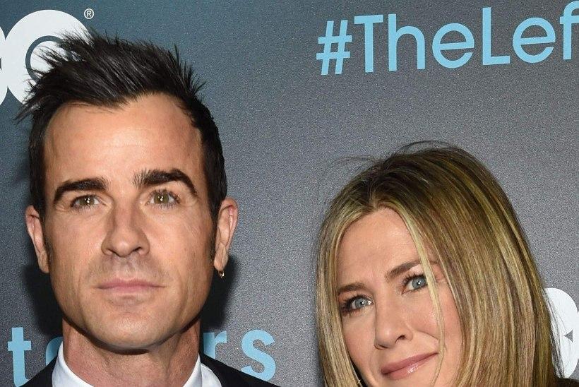 Jennifer Aniston karistab kaasat vaikimisega