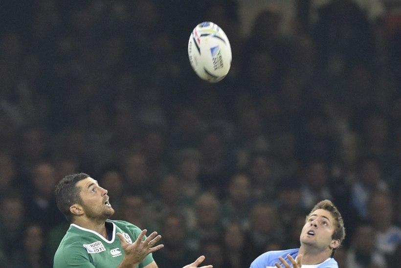 VIDEO | Milline valulävi! Iirimaa ragbikoondise mängija sõrme viidi liigesesse tagasi otse platsil