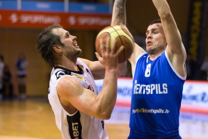 Vanameister Valmo Kriisa lõi käed Valga-Valka meeskonnaga