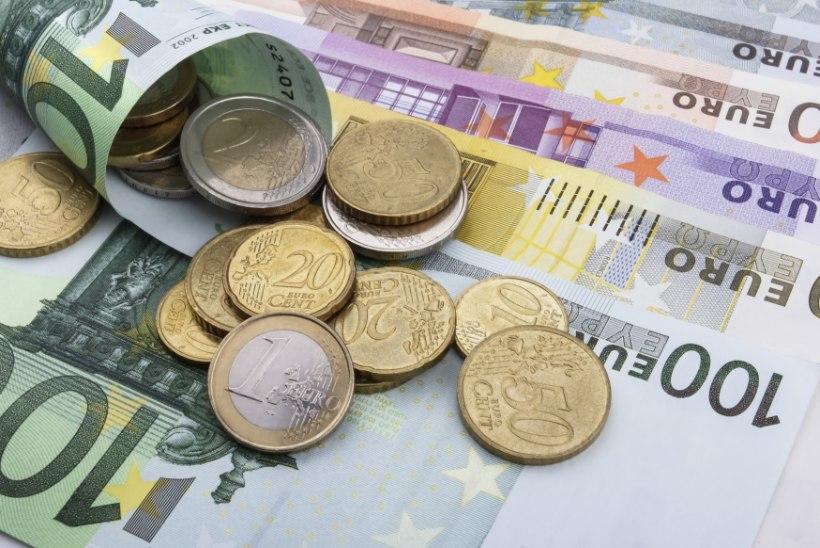 Poliitpere pangaarvete saladused: suurfirmade, tippametnike ja IRLi mõjukate liikmete vahel liiguvad suured rahad