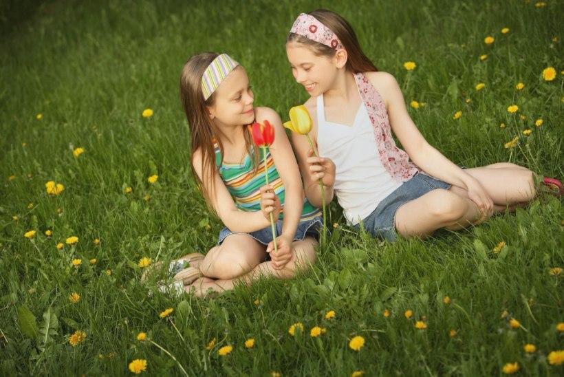 """TÜDRUKLAPS SUHTEOTSINGUL: """"Heips, otsin endale tüdrukut. Meeldib suudlemine, suvi ja koerad."""""""