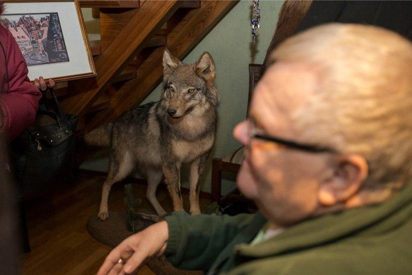 Kui palju võis maksta Savisaare kodu õnnistamine? Kirikuõpetajad räägivad talituste hindadest