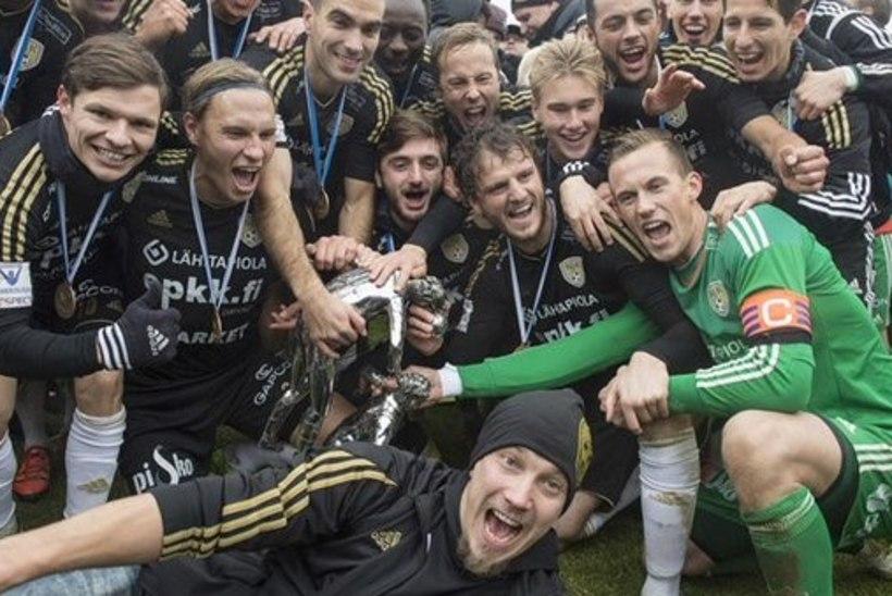 Mihkel Aksalu krooniti Soome jalgpallimeistriks: loodetavasti tuleb neid tiitleid veel