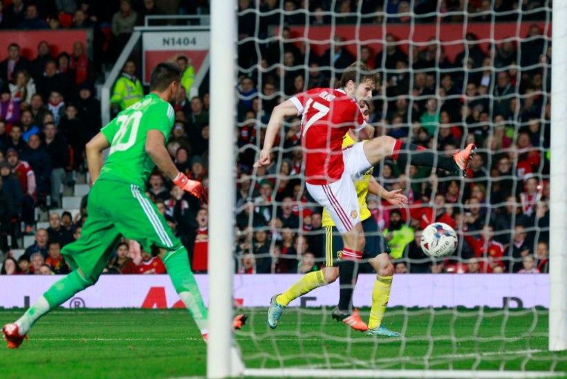 PIINLIK! Rooney taas mannetu ja Man United kaotas kodus esiliigaklubile