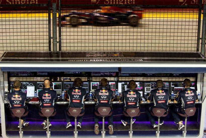 Red Bulli lõhkine ja mootorita küna