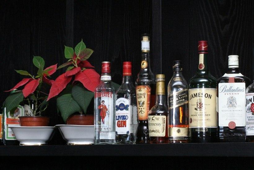 Alkoholiga võitlev ministeerium ei näe võimalust oma majas napsi keelata