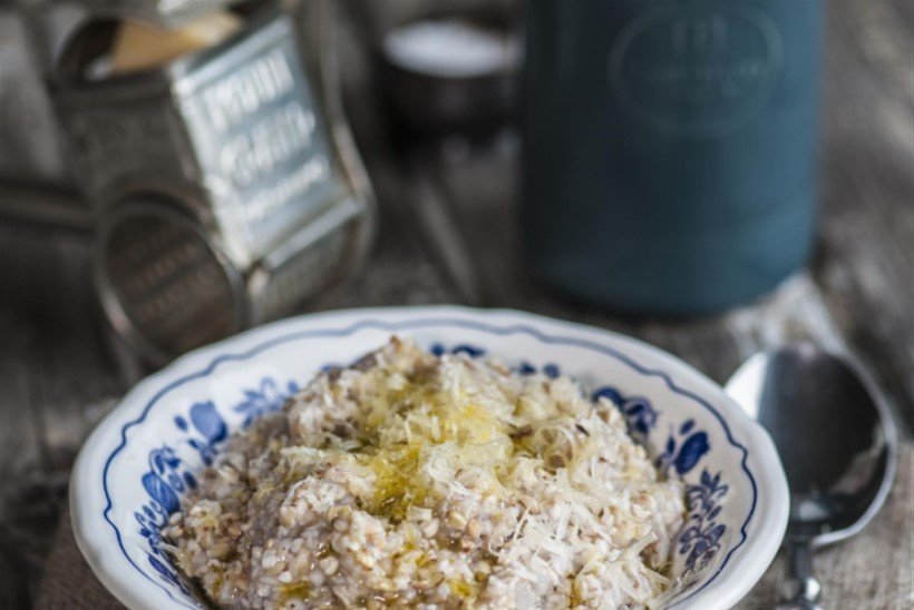 Toortatrapuder parmesani, oliiviõli ja soolahelvestega