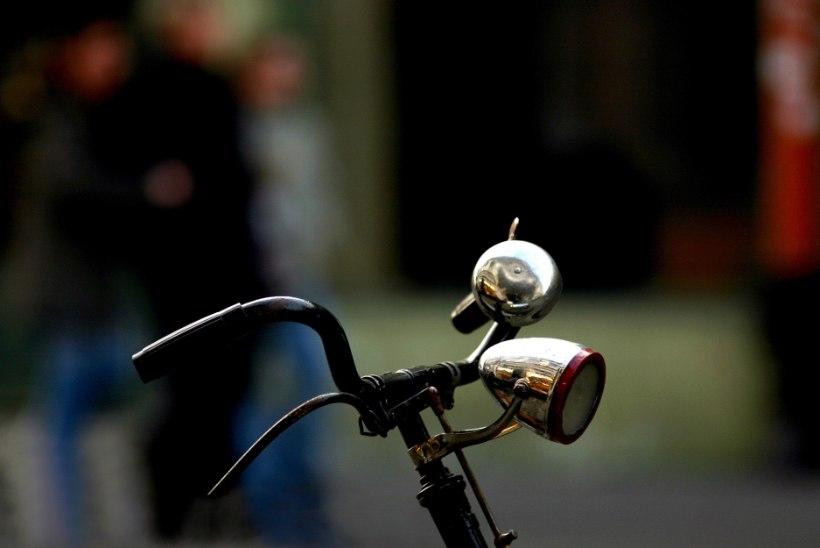 Helsingi linnavalitsus hakkab toetama töötajate jalgrattaoste