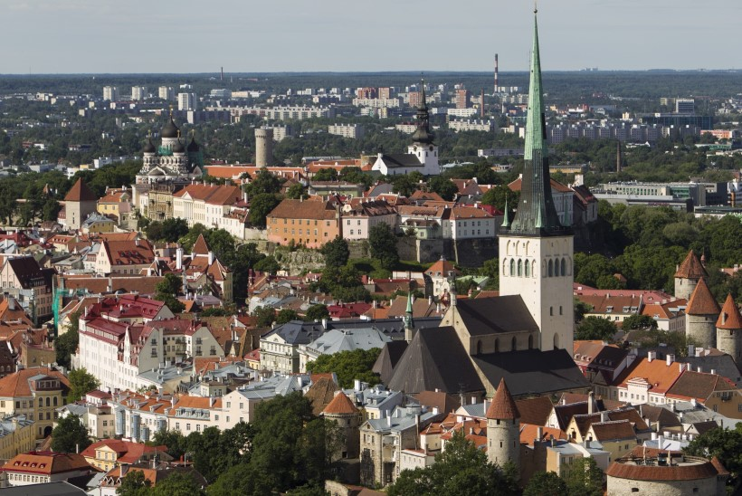 BuzzFeed toob ära põhjused, miks Eestis on paha elada: liiga palju kauneid naisi ja vaated on väsitavalt ilusad