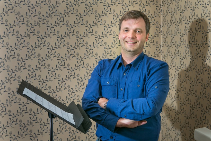 Kontratenor Ivo Posti: armas publik,  ärge ehmuge, ma laulan nagu naine