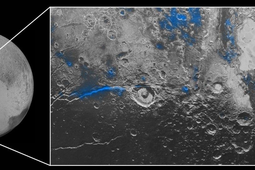 PILTUUDIS   Pluuto sinine taevas