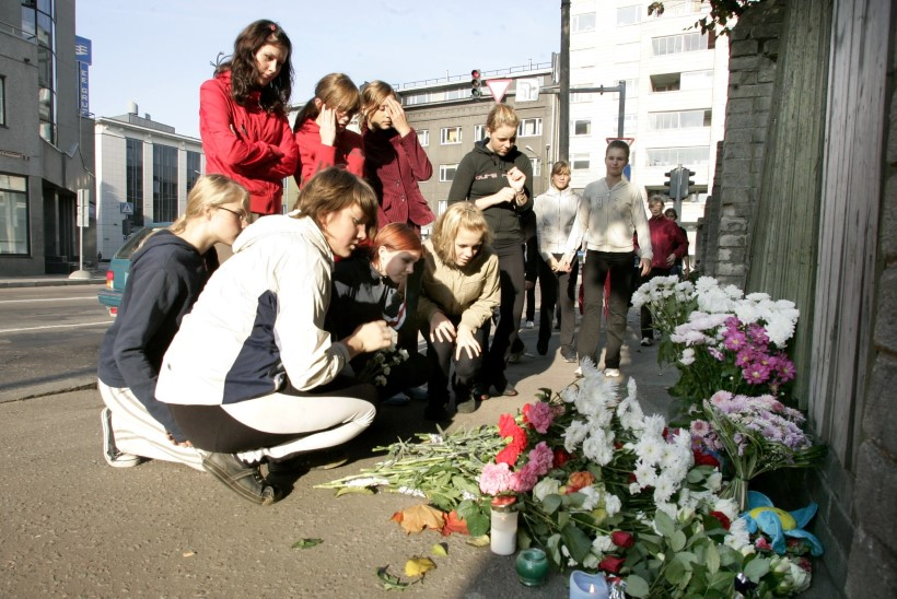 Kümme aastat hiljem: Koolitüdruk Veronika Dari elu lõikas katki oskamatu mõrtsuka kuul