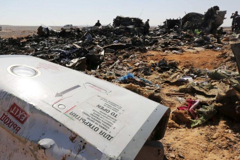 Venemaa ametnik: Egiptuse kohal alla kukkunud lennuk murdus õhus pooleks
