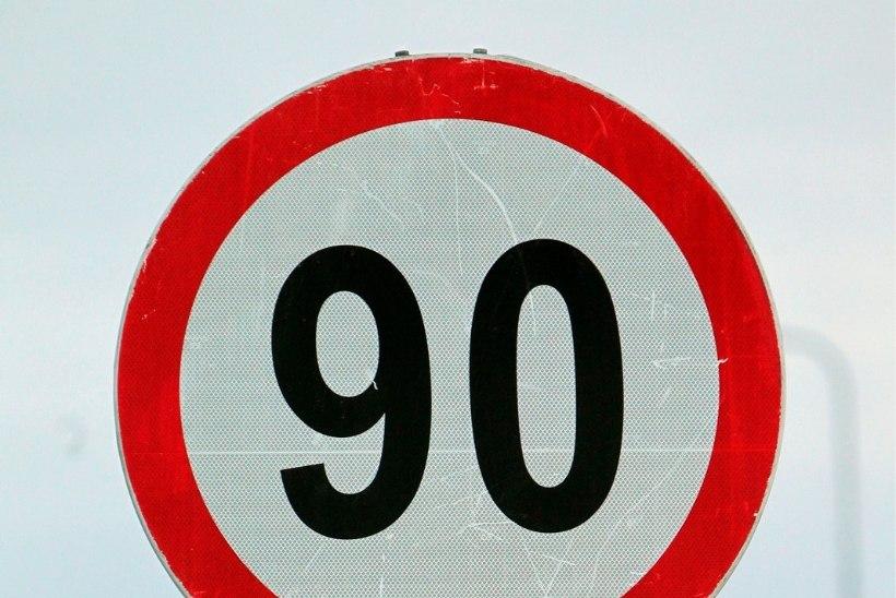 TÄHELEPANU: alates homsest on lubatud suurim sõidukiirus 90 km/h