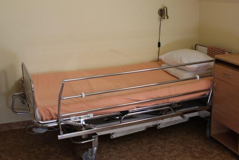 Veremürgistus, lamatised, põletik ja vedelikupuudus - vanaproua jäeti hooldekodus hooletusse